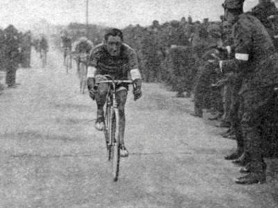Giro d'Italia 1919: Costante Girardengo, il condottiero che guidò l'Italia nella rinascita dopo la Prima Guerra Mondiale