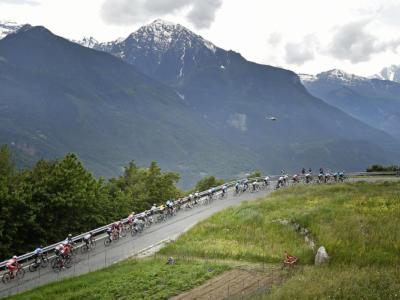 Giro d'Italia 2020: percorso e stellette di difficoltà delle 21 tappe. Stelvio e Izoard da brividi, ma le crono…