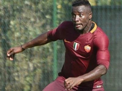 Calcio, morto a 22 anni Joseph Perfection: l'ex Roma è stato stroncato da un infarto cardiaco