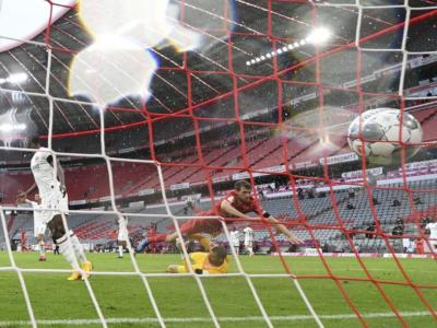 Calcio, Bundesliga 2020: il Bayern Monaco stende 5-2 l'Eintracht Francoforte e conferma il +4 sul Dortmund