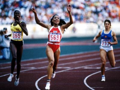 Atletica, i record del mondo: Florence Griffith-Joyner, un 10″49 'maschile' nei 100 metri
