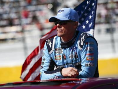 NASCAR 2020, Kevin Harvick vince a Darlington! Alex Bowman in piazza d'onore