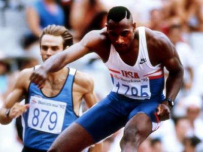 Atletica, i record del mondo: il 46″78 di Kevin Young nei 400 hs, un primato che resiste da Barcellona 1992 – VIDEO