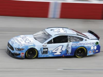 NASCAR Cup Series, Kevin Harvick padrone in Michigan
