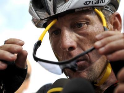 """Ciclismo, Lance Armstrong: """"Tumore a causa delle sostanze dopanti? Non posso escluderlo"""""""