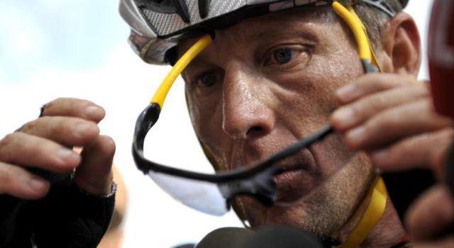 """Ciclismo, Lance Armstrong usava un motore nella bici? """"Faceva la differenza con quello, non con l'EPO"""""""