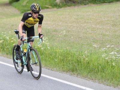 Giro d'Italia virtuale 2020: la Jumbo-Visma con Kruijswijk si impone nella quinta tappa. Astana avanti in classifica