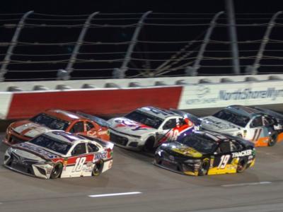 LIVE NASCAR, 400 Miglia Darlington 2020 in DIRETTA: Kevin Harvick vince a Darlington! Perfetta prova per il pilota Haas