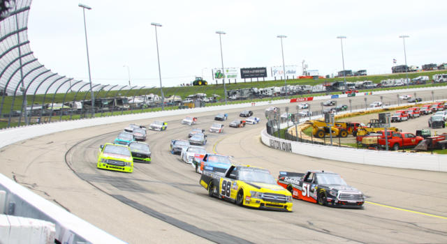 NASCAR Truck Series 2020, Grant Enfinger sigla il successo ad Atlanta!