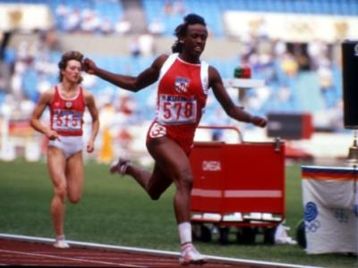 Atletica, i record del mondo: l'innavicinabile primato di 7291 punti nell'eptathlon di Jackie Joyner-Kersee