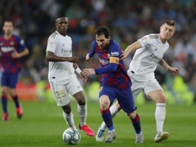 Liga 2020, duello di fuoco tra Barcellona e Real Madrid per il titolo. Ammucchiata per la Champions League
