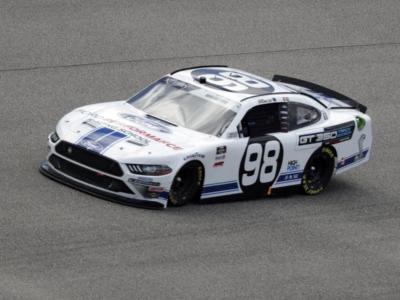NASCAR Xfinity Series, Chase Briscoe si impone in Kansas
