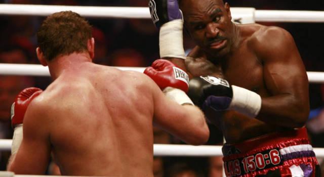 Boxe, Evander Holyfield torna sul ring a 58 anni! Sconfitta per ko tecnico contro Belfort. E il terzo atto con Tyson…