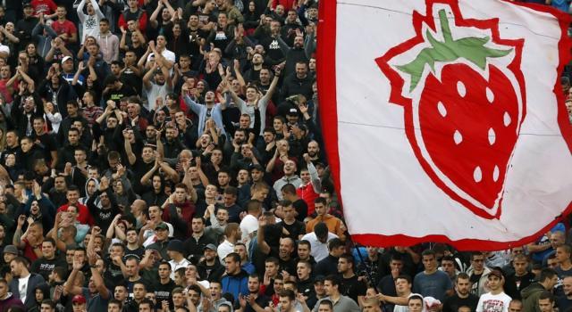 Calcio, cinque positivi nella Stella Rossa dopo il match contro il Partizan Belgrado con 25.000 spettatori