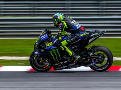 LIVE MotoGP, GP Spagna in DIRETTA: Dovizioso sperava meglio. Marquez infortunato: salta una gara