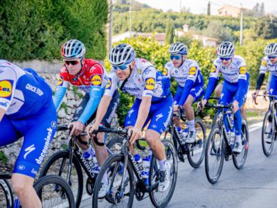 Ciclismo, ripartono i ritiri: tre giorni nelle Fiandre per la Deceuninck-Quick Step