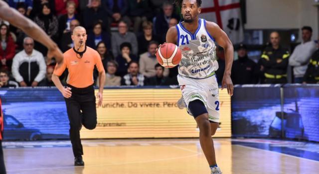 Basket: Dyshawn Pierre da Sassari al Fenerbahce, che si è scatenato sul mercato