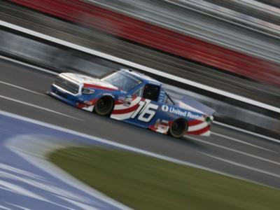 NASCAR Truck Series, Austin Hill vince in Kansas