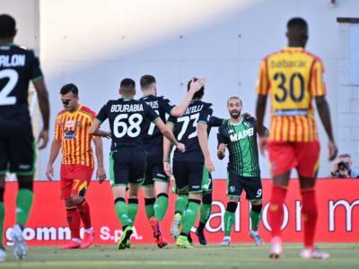 Calcio, Sassuolo-Lecce 4-2: gli emiliani segnano a raffica e lasciano in zona retrocessione i giallorossi