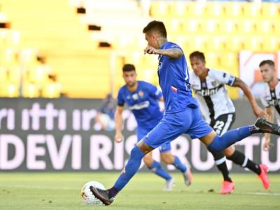 Calcio, Erick Pulgar e Simone Ghidotti positivi al Covid-19: i due giocatori della Fiorentina sono asintomatici