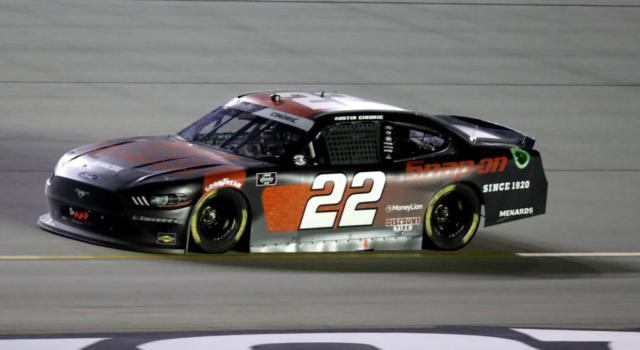 NASCAR Xfinity Series, squalifica per Kyle Busch. Vince Austin Cindric!