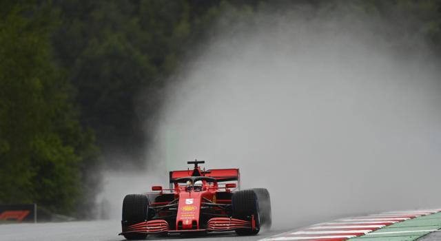 """F1, Sebastian Vettel: """"La macchina non va bene. Assetto sbagliato per la pioggia"""""""