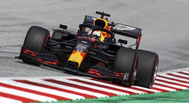 """F1, Max Verstappen: """"Non mi sorprende il divario dalla Mercedes. Nel complesso sono soddisfatto"""""""