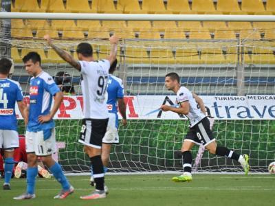 Calcio, Serie A 2020: Parma-Napoli 2-1. Gli emiliani firmano l'aritmetica salvezza