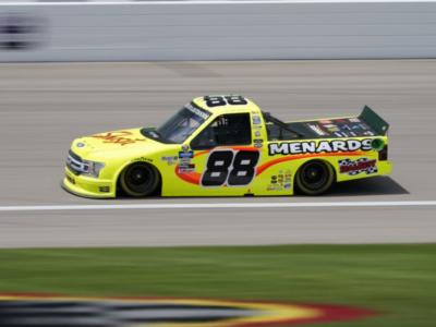 NASCAR Truck Series, Matt Crafton respinge Christian Eckese vince in Kansas