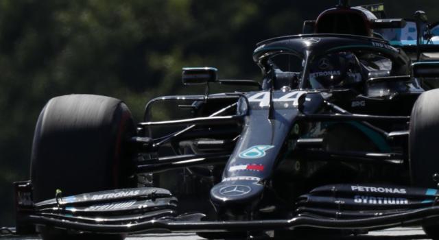 F1, GP Stiria 2020: Mercedes smentisce che la livrea nera possa avere ricadute sul surriscaldamento del motore