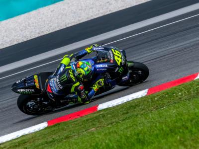 """LIVE MotoGP, GP Spagna 2020 in DIRETTA: l'analisi di Valentino Rossi. """"Migliorati, ma pago l'altezza con queste gomme"""""""