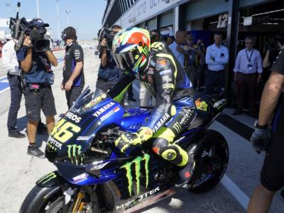 MotoGP, Yamaha preoccupata per i motori: inviate unità in Giappone. Allarme per Valentino Rossi, Vinales e Quartararo?
