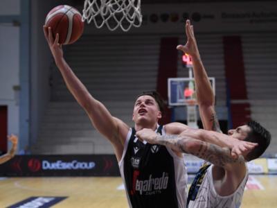 Basket, Supercoppa Italiana 2020: Virtus Bologna incerta per tre quarti, ma contro Cremona l'esordio è vincente