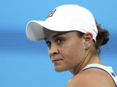 WTA Adelaide 2021, i risultati del 24 febbraio: Iga Swiatek e Belinda Bencic ai quarti di finale, ko Ashleigh Barty