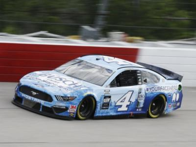 NASCAR Cup Series, Kevin Harvick vince a Bristol in un finale incredibile!