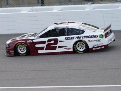 NASCAR Cup Series, Brad Keselowski si impone a Loudon