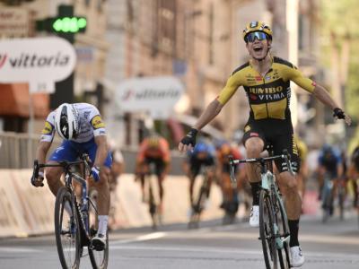 Milano-Sanremo 2020: highlights e sintesi. Van Aert in trionfo, Nibali attacca sul Poggio – VIDEO