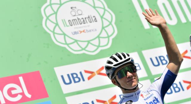 Ciclismo, Remco Evenepoel tornerà a pedalare solamente tra tre settimane. Giro a rischio?