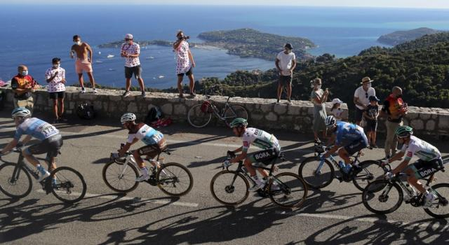 LIVE Tour de France, DIRETTA tappa di oggi: pagelle e classifiche aggiornate. Ewan batte Bennett e Nizzolo