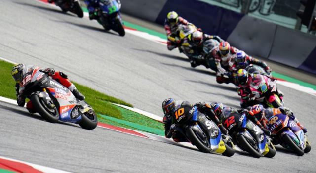 VIDEO Moto2, GP Portogallo 2020: gli highlights della gara. Il trionfo mondiale di Enea Bastianini