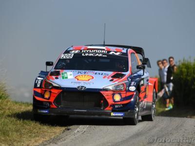 Rally Estonia 2020: Ott Tanak detta il passo al termine del day-2 davanti a Breen e Ogier, si ritira Neuville