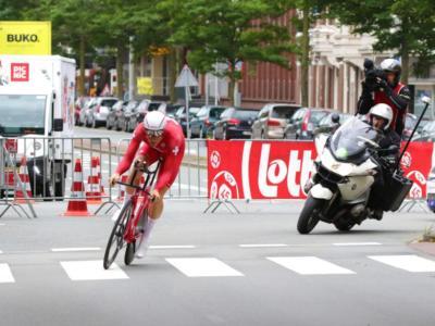 Ciclismo, Europei 2020: Stefan Kung domina la cronometro davanti a Cavagna, 5° Edoardo Affini