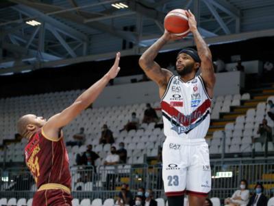 Basket, Supercoppa Italiana 2020: l'Olimpia Milano batte Venezia ed è la prima finalista