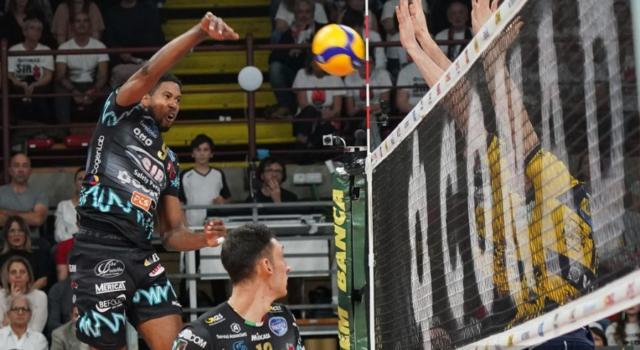 LIVE Modena-Perugia 3-2, Supercoppa Italiana volley DIRETTA: vittoria amara per i Canarini, Black Devils in finale!