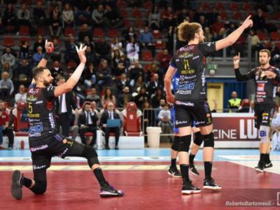 LIVE Trento-Civitanova 3-2, Supercoppa Italia volley in DIRETTA: i padroni di casa si aggiudicano l'andata!