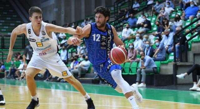 Basket, Serie A 2020-2021, prima giornata: si parte con Treviso-Trento. Milano a Reggio Emilia, per la Virtus Bologna c'è Cantù