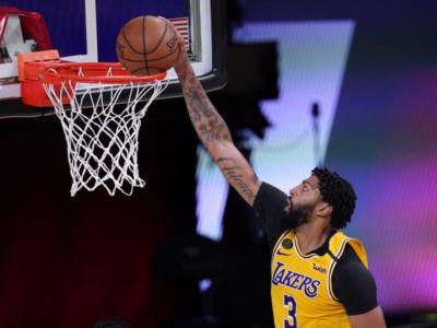 NBA, Lakers: Anthony Davis si ferma. Tornerà nel mese di marzo
