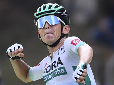 VIDEO Tour de France, highlights sedicesima tappa tappa: Kämna vince in fuga, i big si marcano