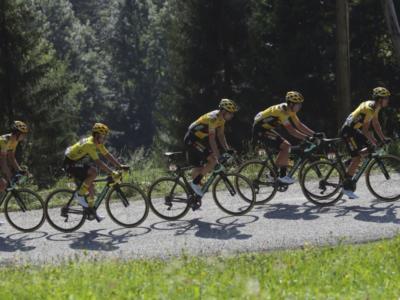 Tour de France 2020: espulso il ds della Jumbo-Visma dopo la lite con un commissario. La squadra si scusa