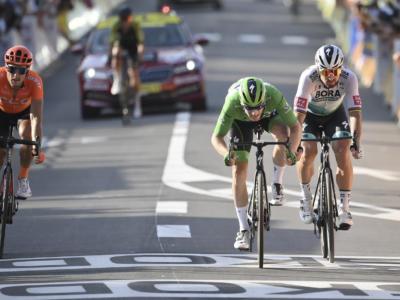 VIDEO Tour de France, highlights 21ma tappa. Sam Bennett vince sui Campi Elisi, Primoz Roglic conquista la Grande Boucle